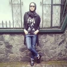 Busana Muslim Khusus Remaja Tikamaesaroh